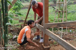 Construction of a new hut for volunteers